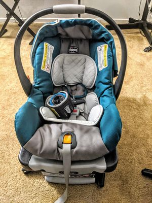Chicco Keyfit 30 Car Seat w/base for Sale in Yucaipa, CA