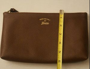 Gucci wallet color brown for Sale in Bloomington, CA