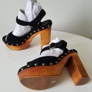 Women's Black Platform Sandals Size 8 for Sale in Wilmington, DE