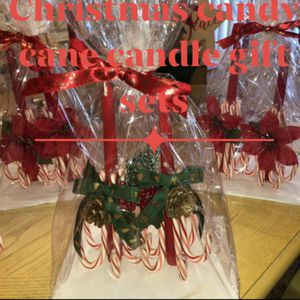 Christmas Candy Cane Candles / Sets Beautiful, hand crafted candles, warped in cellophane and Christmas 🎄bows. Can be custom ordered various colors for Sale in Port Richey, FL