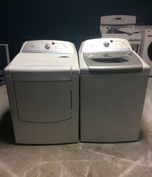 Whirlpool, Cabrio, electric dryer and wash machine set! Super size capacity! Will do large comforters for Sale in St. Louis, MO