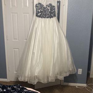Prom/wedding Dress Size 14 for Sale in Santa Fe, TX