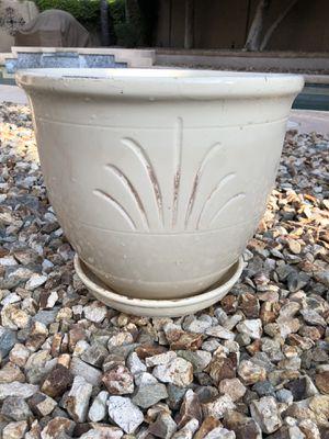 White ceramic glazed planter pot for Sale in Gilbert, AZ