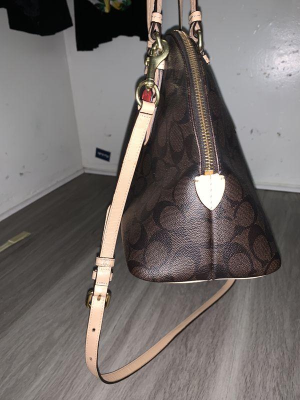 Coach cross body bag 100 Authentic