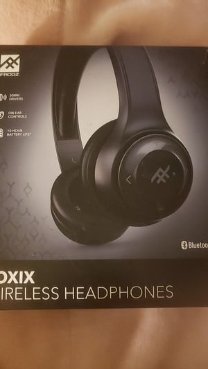 Bluetooth wireless headphones for Sale in Folsom, CA