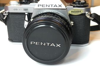PENTAX ME Super 35mm Vintage SLR Film Camera + 50mm lens + Leather Case Holder for Sale in Malden,  MA