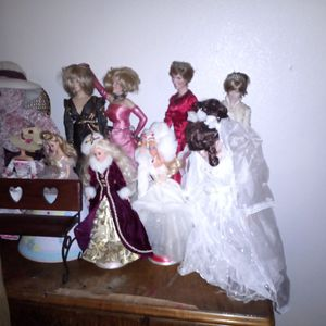 Doll. Collection for Sale in Lakeside, CA