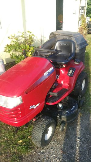 Sears Craftsman riding lawn mower for Sale in Tacoma, WA
