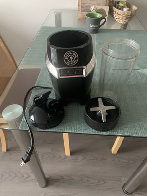 Gold's Gym smoothie blender 1000w for Sale in Alexandria, VA