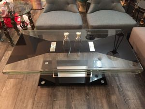 Modern Beautiful Glass Coffee Table for Sale in Walnut, CA