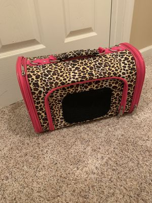 Pink & Leopard Pet Carrier for Sale in Normal, IL