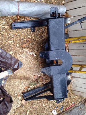 Fifth wheel receiver hitch for Sale in Albuquerque, NM