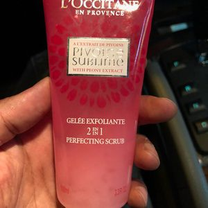 L'OCCITANE: Pivoine Sublime 2-In-1 Perfecting Scrub, exfoliating cream face mask face cream face soap(NEW) for Sale in Paterson, NJ