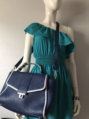 Cloe women's purse . for Sale in Joint Base Lewis-McChord, WA