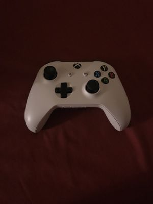 Xbox controller (white) for Sale in Severn, MD