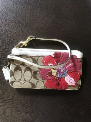 Coach Wristlet/Wallet for Sale in Wake Forest, NC