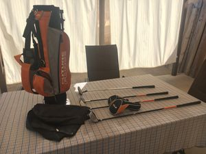 Youth golf club set for$15 Very clean!! for Sale in Moreno Valley, CA