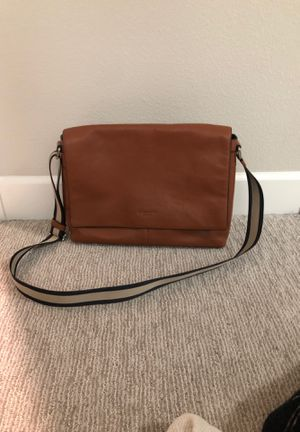 Coach messenger bag; hardly used for Sale in Livermore, CA