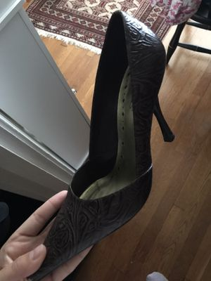 7 pairs of women's 8.5 heels (make your price!) for Sale in St. Louis, MO