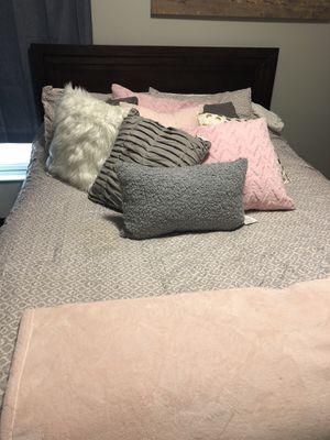 Bedroom Set for Sale for Sale in Nashville, TN