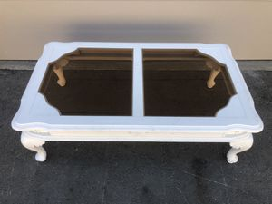 Antique Coffee Table for Sale in Moreno Valley, CA