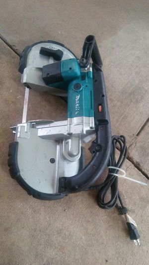 Makita corded band saw model 2107F for Sale in San Antonio, TX
