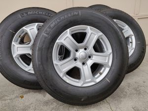 2019 Jeep wheels & tires *New* 275/45R17 for Sale in Tacoma, WA