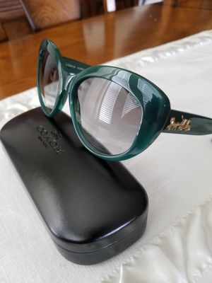 COACH WOMENS SUNGLASES for Sale in Kissimmee, FL