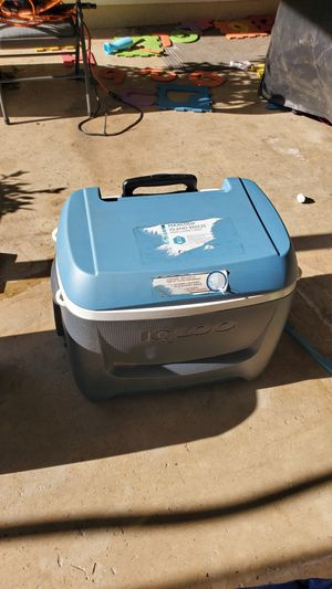 Igloo MaxCold cooler for Sale in Manteca, CA