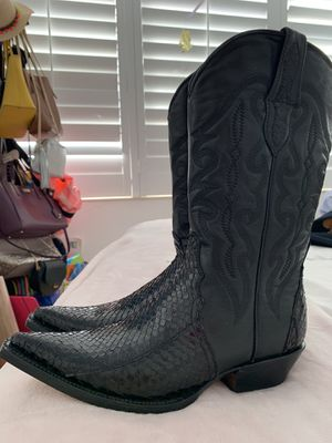 Leather boots for Sale in Miami, FL