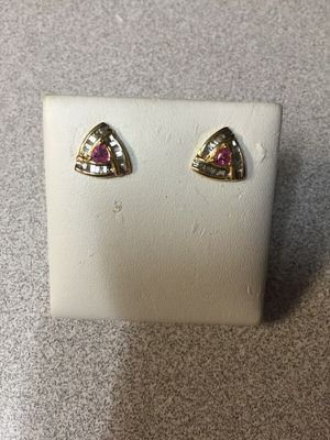 14kt yellow gold diamond earrings for Sale in Bellevue, WA