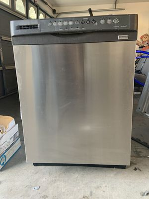 Kenmore stainless dishwasher for Sale in Bakersfield, CA