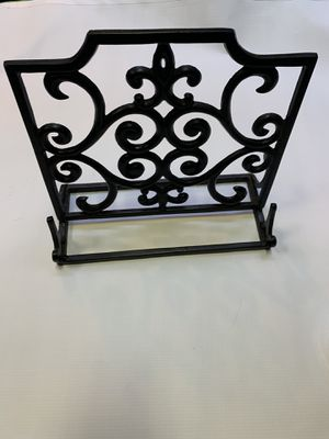Metal decorative stand for Sale in Chicago, IL
