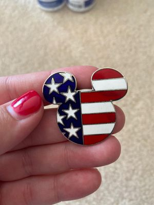 DISNEY Mickey head pin USA for Sale in Federal Way, WA