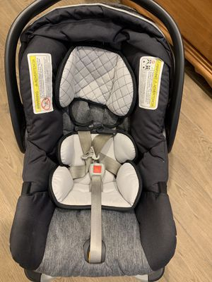 Chicco keyfit infant car seat for Sale in Phoenix, AZ
