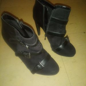 Heels size 8 women for Sale in Columbus, OH