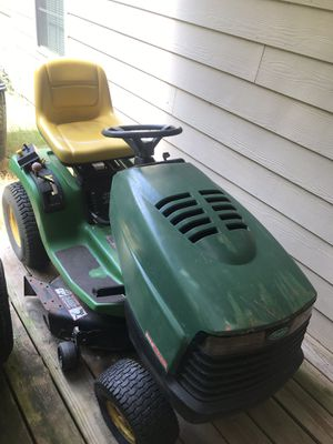 JOHN DEERE STX38 RIDING MOWER for Sale in Snellville, GA