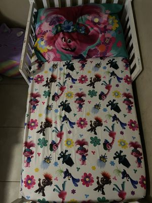 toddler mattress, sheets, rug for Sale in Laveen Village, AZ