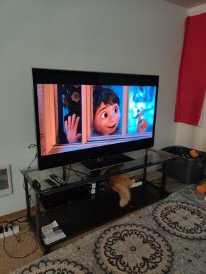 "60"" 3D TV super bundle for Sale in Vancouver, WA"