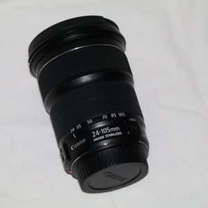 Canon 24-105mm lens for Sale in MD CITY, MD