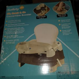 Sit, Snack & Go Convertible Booster Seat for Sale in Joliet, IL
