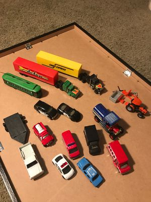 21- small plastic and metal cars and trucks for train landscapes for Sale in Troutdale, OR