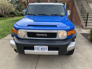 2007 FJ Cruiser with low miles 4x4 for Sale in Bristow, VA