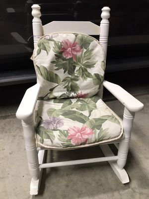 Kids Rocking Chair for Sale in Puyallup, WA