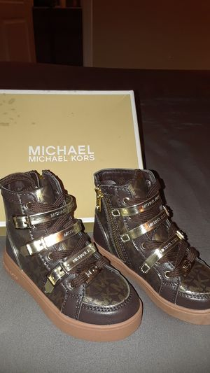 Brand new Michael Kors kids shoes. Size 8 for Sale in Las Vegas, NV