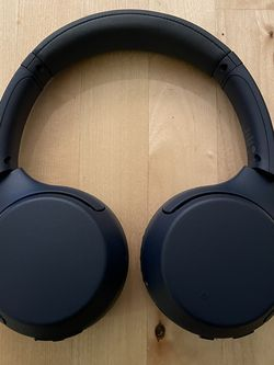 Sony WHXB 700 Headphones for Sale in Alexandria,  VA
