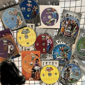 Huge Sims 2 Bundle for Sale in Moreno Valley, CA