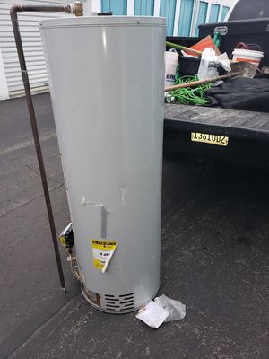 Water heater 50gal for Sale in Fountain Valley, CA