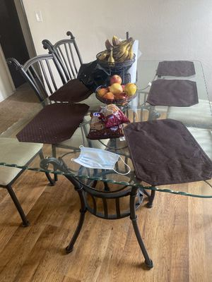 Table for Sale in Madera, CA