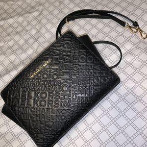 Michael Kors Crossbody Bag for Sale in Evansville, IN